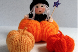 knitted halloween which and pumpkins