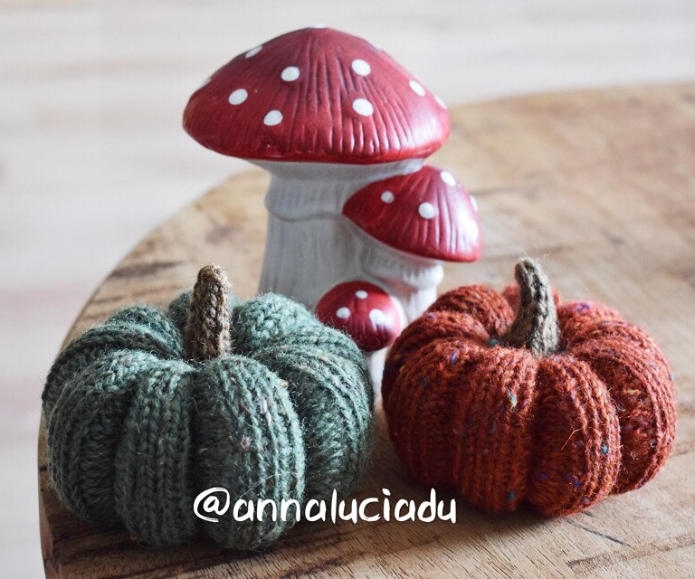 Halloween knitted pumpkins with two different stems
