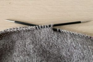 Stockinette stitch made with knits and purls - knitting basics