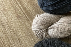 Different yarns suitable for a beginner knitter